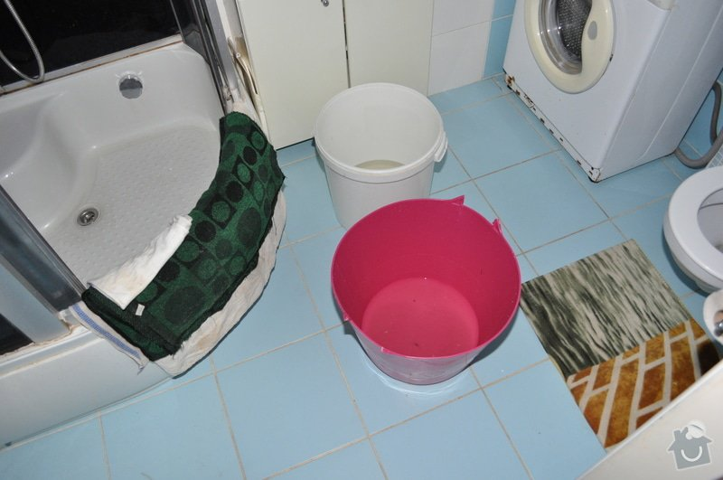 Sádrokartonový strop v koupelně: DSC_0005