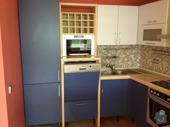 Truhlářské práce - výměna dvířek kuchyně, úprava barového pultu: IMG_0559