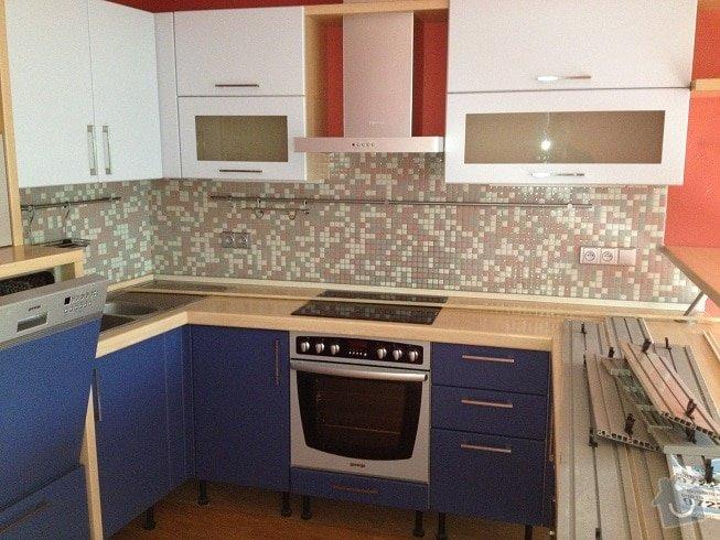 Truhlářské práce - výměna dvířek kuchyně, úprava barového pultu: IMG_0560