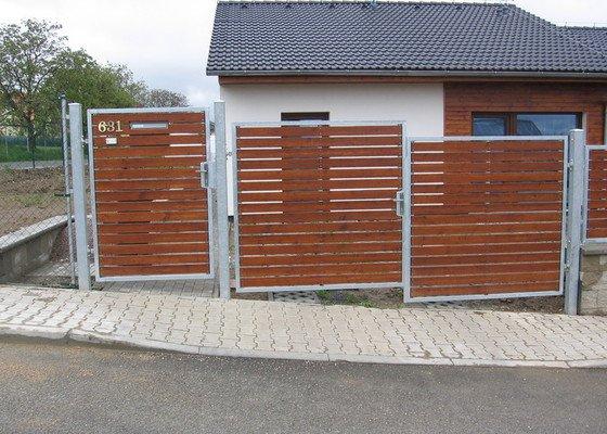 Branka,brána,plotová pole.