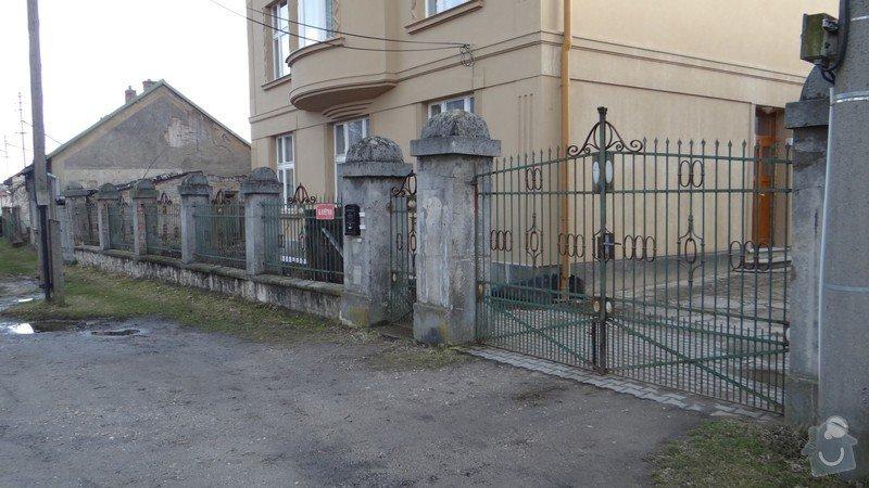 Oprava zděného plotu s železnou výplní, zámková dlažba, drobné zednické práce, spodní voda ve sklepě: DSC02935_Medium_
