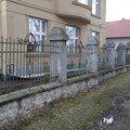 Oprava zdeneho plotu s zeleznou vyplni zamkova dlazba drobne  dsc02937 medium