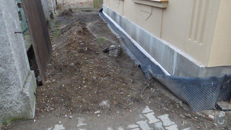 Oprava zděného plotu s železnou výplní, zámková dlažba, drobné zednické práce, spodní voda ve sklepě: DSC02939_Medium_