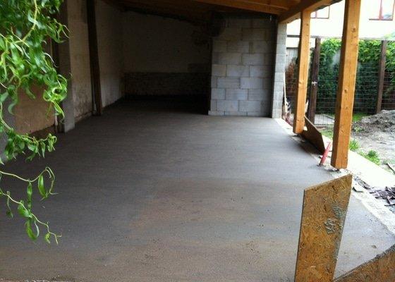 Vybetonovani podlahy v garazi