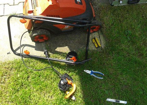 Oprava sekačky na trávu