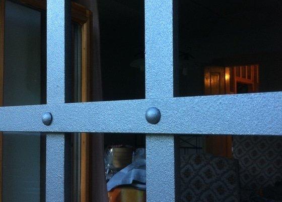 Nýtované překládané bezpečnostní mříže