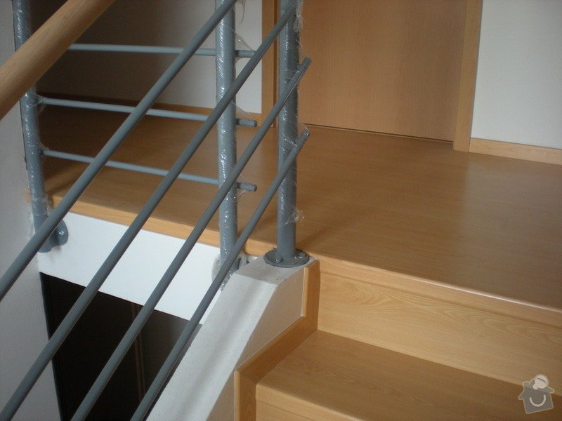 Pokládka plovoucí podlahy včetně obložení schodiště: 6