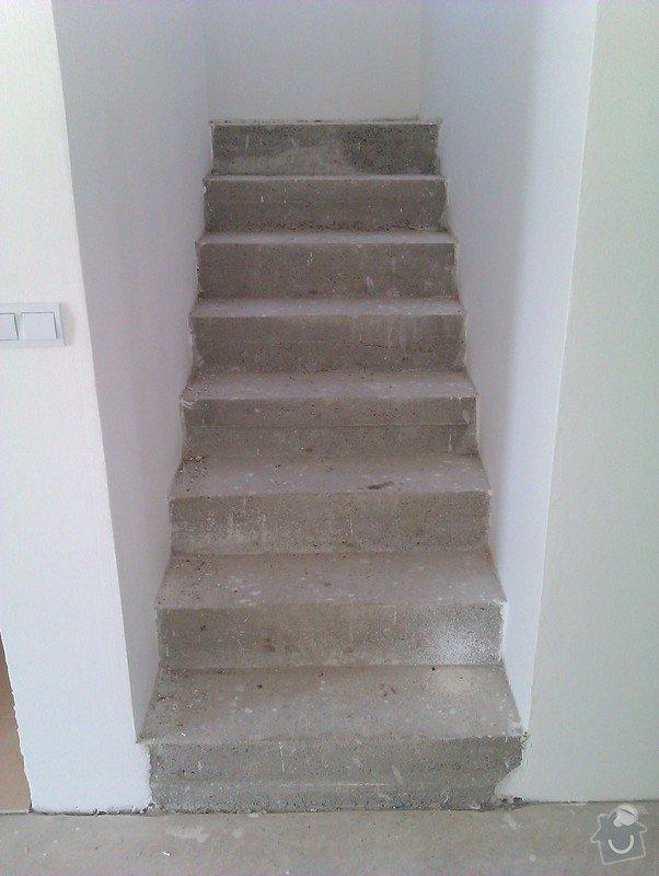 Pokládka plovoucí podlahy včetně obložení schodiště: 1