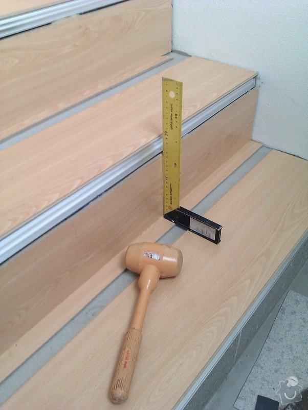 Pokládka plovoucí podlahy včetně obložení schodiště: IMAG0193