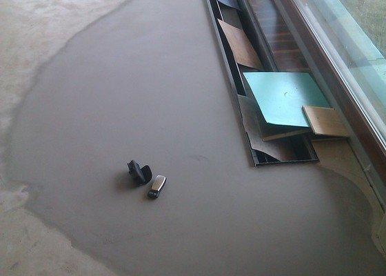 Položení plovoucí třívrstvé parkety