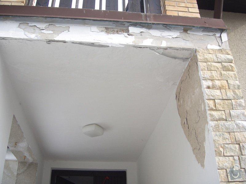 Opravu venkovní terasy, kterou zatéká do zdi a odpadává omítka: CIMG1661