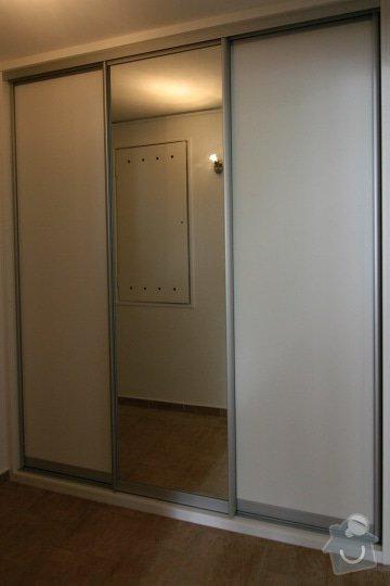 Vestavěné skříně, šatna: IMG_5223