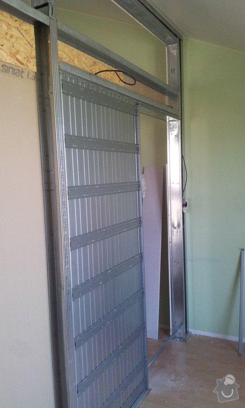 Předělení místnosti (pravděp. sádrokarton, možná s vloženým sklem): 20130515_160213