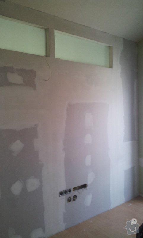 Předělení místnosti (pravděp. sádrokarton, možná s vloženým sklem): 20130516_163459