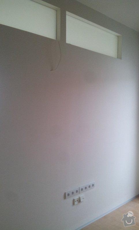 Předělení místnosti (pravděp. sádrokarton, možná s vloženým sklem): 20130517_152118