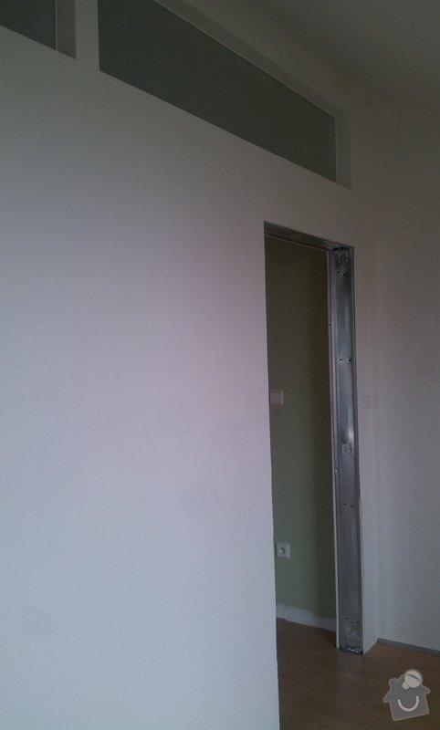 Předělení místnosti (pravděp. sádrokarton, možná s vloženým sklem): 20130517_152133