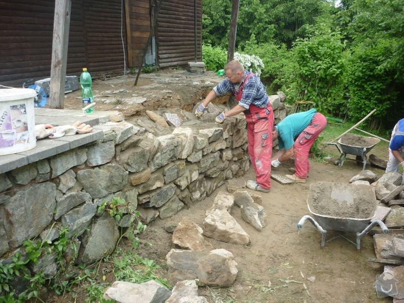 Rekonstrukce terasy u chaty,  Vlkov u Tišnova: Terasa_rekonstrukce_chata_Vlkov_012