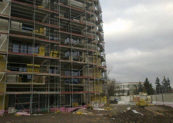 Zateplení panelového domu,zednické práce