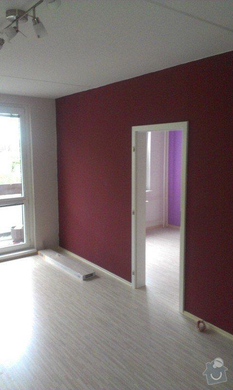 Rekonstrukce bytu - podlah (stěrkování a položení PVC 22m2 a plovoucí podlahy 30m2a koberce 20m2) a dveří (troje posuvné dveře z toho jedny do pouzdra): IMAG0257