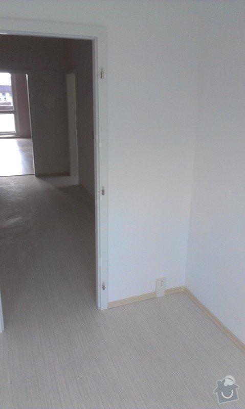 Rekonstrukce bytu - podlah (stěrkování a položení PVC 22m2 a plovoucí podlahy 30m2a koberce 20m2) a dveří (troje posuvné dveře z toho jedny do pouzdra): IMAG0265