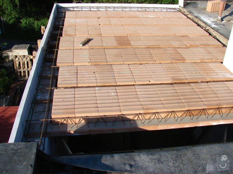 Přístavba místnosti a zastřešení balkonu: DSC08477