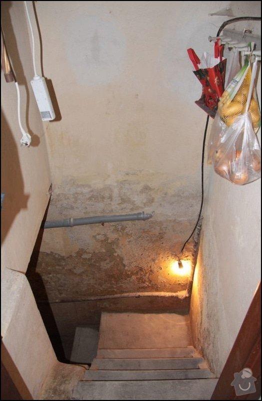 Oprava zdi a vymalovani: sklep_schodiste