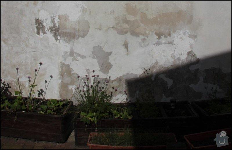 Oprava zdi a vymalovani: zed_Venku_detail