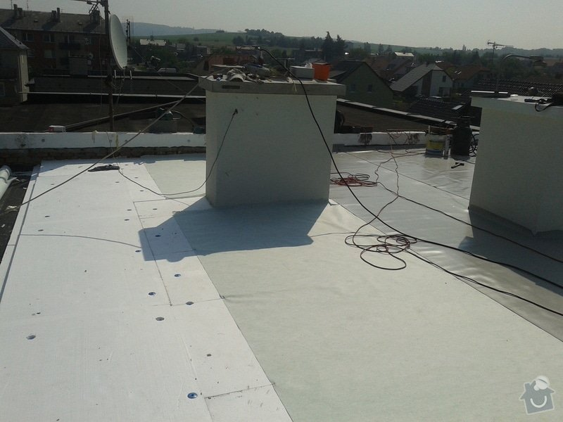 Rekonstrukce střechy: 20130609_094236