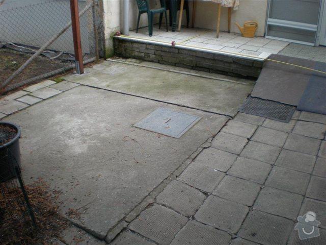 Rekonstrukce dvora a chodníků.: P4100018