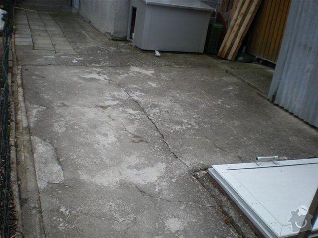 Rekonstrukce dvora a chodníků.: P4100024