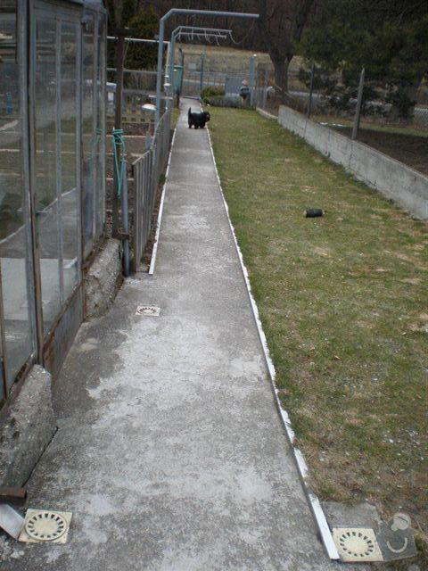 Rekonstrukce dvora a chodníků.: P4100028