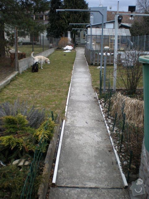 Rekonstrukce dvora a chodníků.: P4100031
