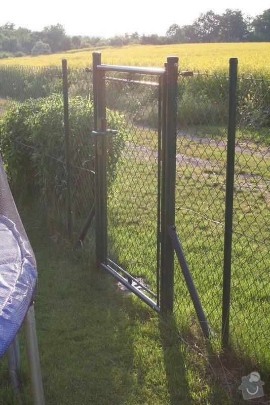 Dodani a montaz branky k pletivovemu plotu: vzorova_branka
