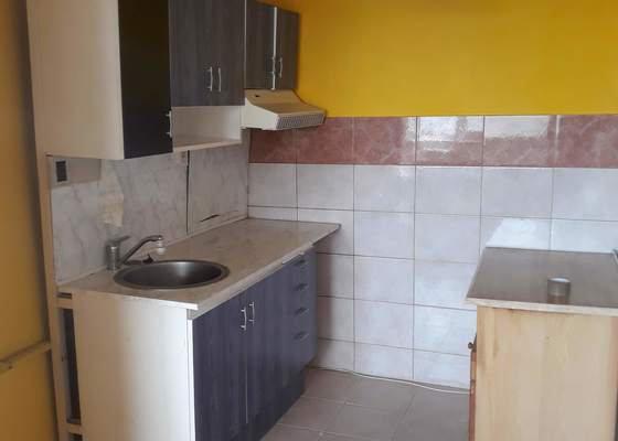 Bourání umakartového jádra a dalších příček v panelovém bytě (2+kk), Praha - Stodůlky