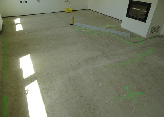 Vyrovnání a pokládka podlahy