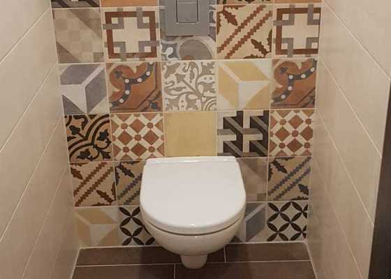 Rekonstrukce bytu 3+1 - koupelna a kuchyň a předsíň s umakartovým jádrem.
