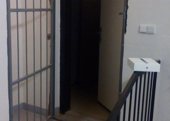 Zástavba trezorových dveri 200kg asap