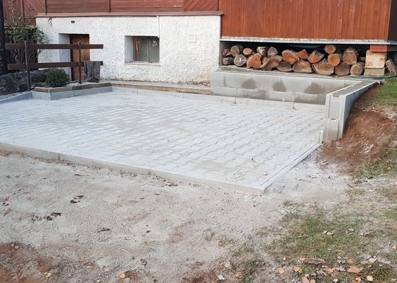 Položení zámkové dlažby cca 15 m2