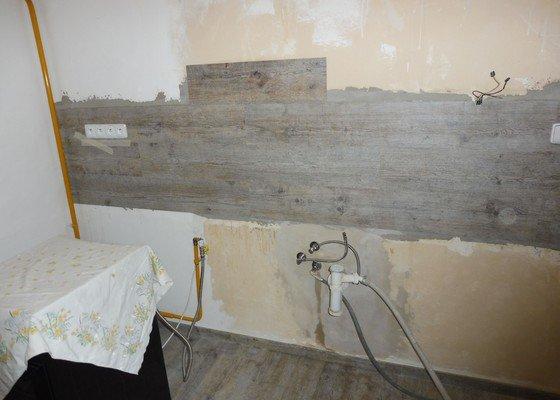 Poptávka - rekonstrukce vody, obkladů, světel, zásuvek a vypínačů