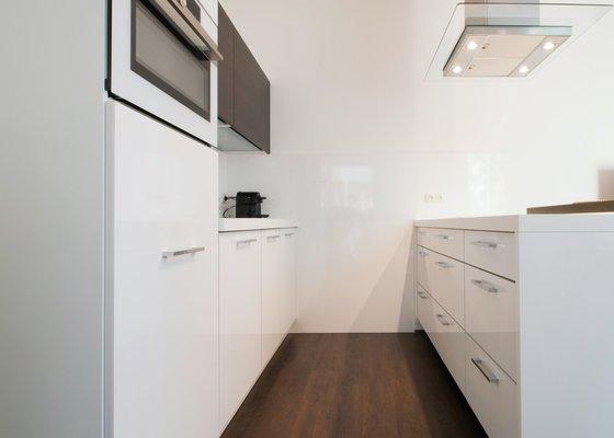 Nájemníci dostali do bytu kvalitní a nadstandardně vybavenou kuchyni