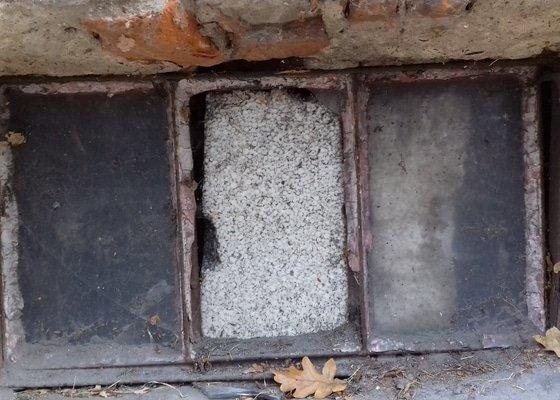 Sklepní okna kovová