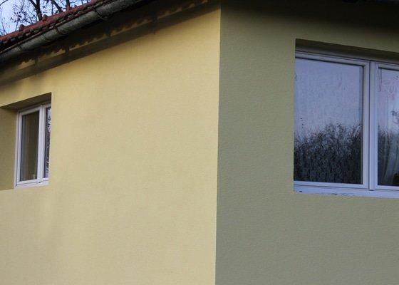 Potřebuji 5 širších bílých parapetů a drobnou klempířskou opravu okraje střechy po zateplení domku.