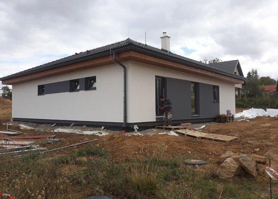 Realizace silikonové fasády na bungalov