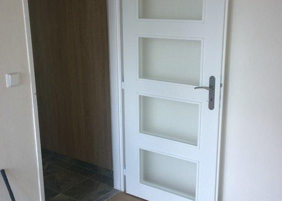 KL, podlaha,dveře