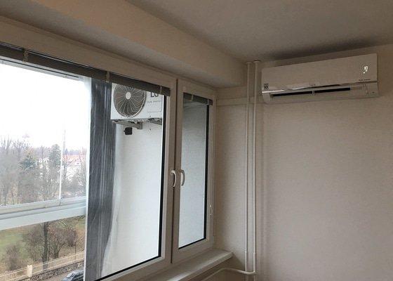 Klimatizace byt - lodžie (panelový dům)