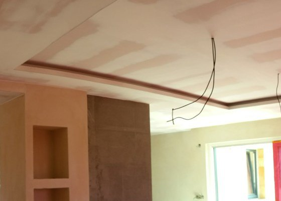Sadrokatronovy strop RD bungalov
