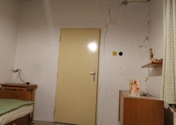 Oprava stěn domku