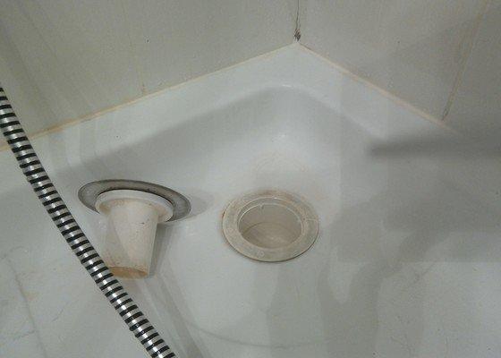 Výměna sifonu sprchového koutu