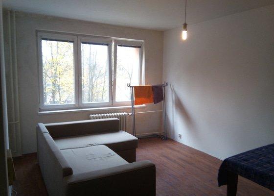 Rekonstrukce bytu - omítky a lamin. podlaha
