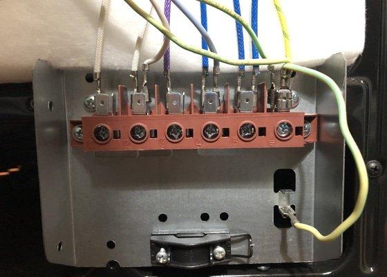 Zapojení elektrotrouby s varnou deskou, zapojení zásuvek a další elektropráce